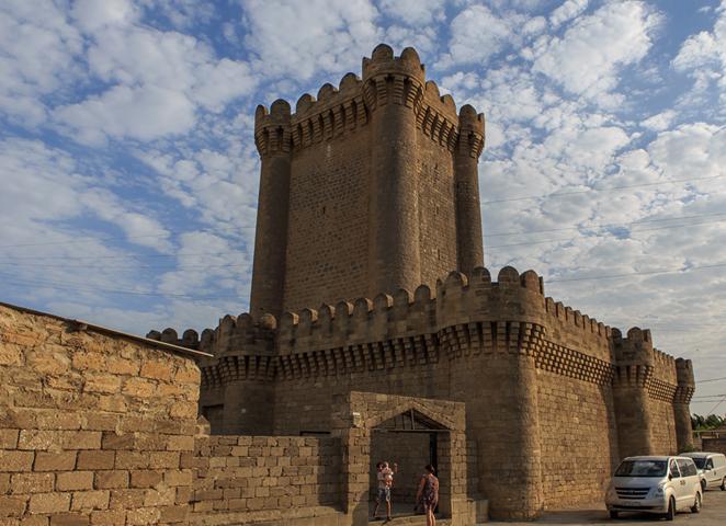Четырёхугольный замок Мардакян